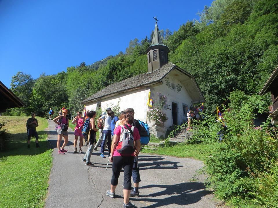 Marche au départ de la gare de Vaugagne...(photos Anne G.)