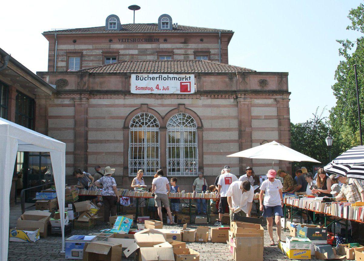 Veitshöchheimer Bücherei im Bahnhof feierte 25jähriges Jubiläum - Riesenandrang beim Bücherflohmarkt
