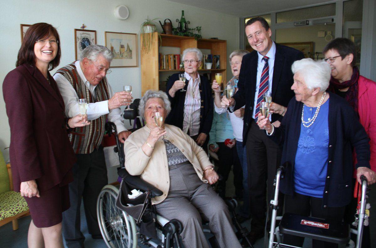 Erika und Serge Sefrin seit 65 Jahren verheiratet - Feier der Eisernen Hochzeit im Veitshöchheimer Seniorenheim St. Hedwig