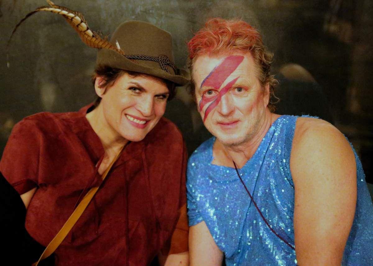 Die andere Tochter Claudia Stamm teilte mit den Armen und hatte David Bowie mit dabei.