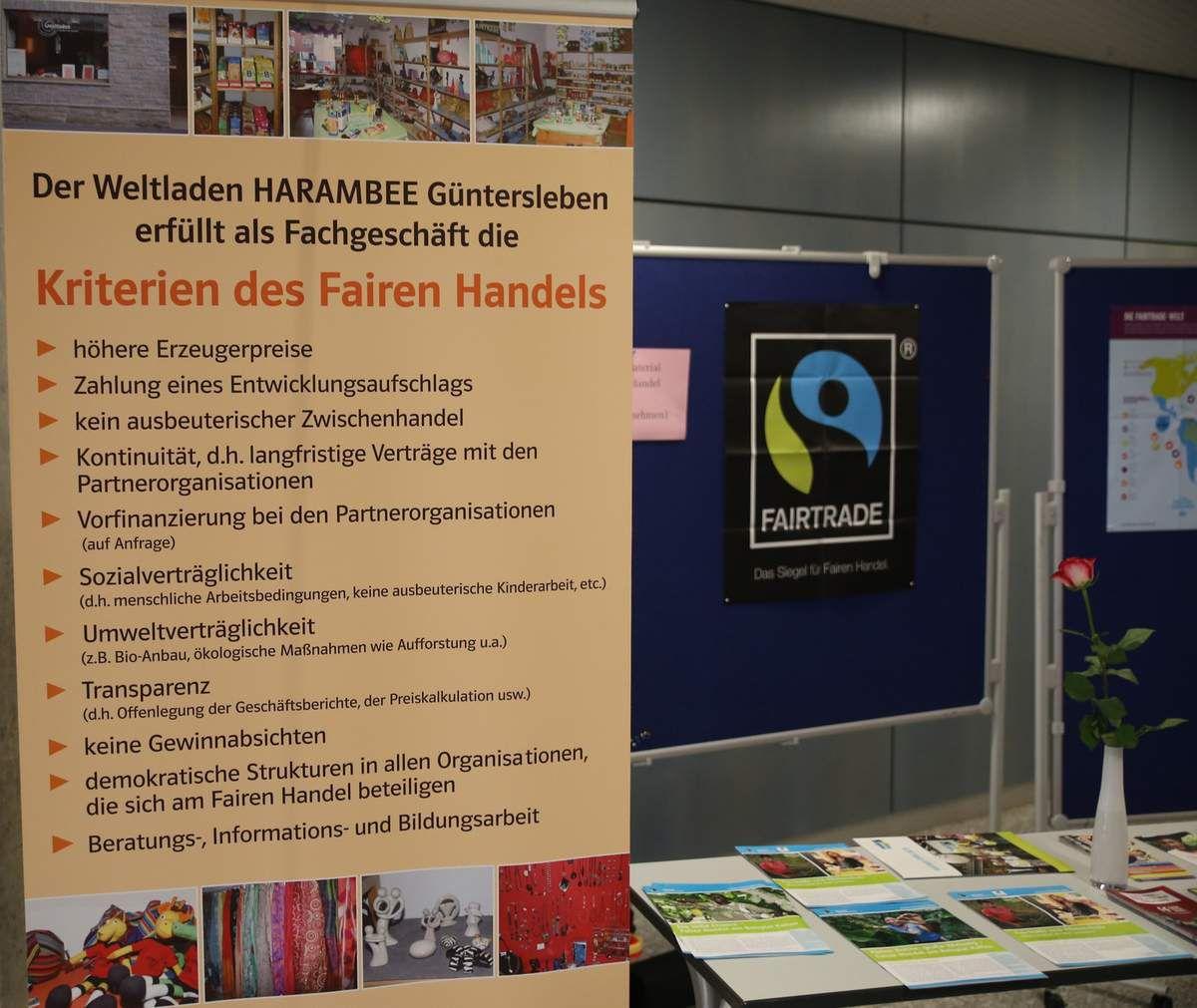Mit einem Infostand bei der Zertifizierungfeier vertreten: Der Günterslebener Weltladen Harambee