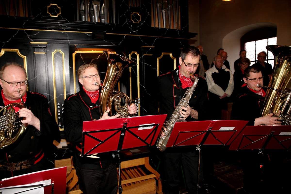 Die Altneihauser Feierwehrkapell'n begeisterte in der Veitshöchheimer Vituskirche mit konzertanter Musik
