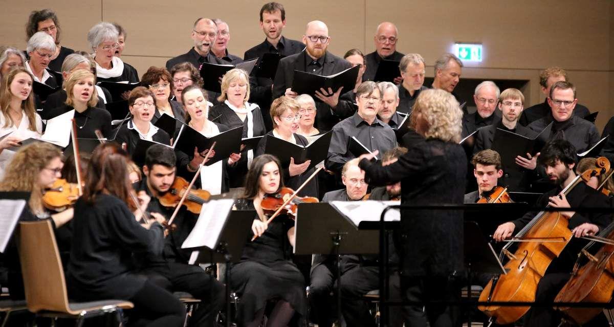 Bella Musica, ein Riesenevent mit Musikern aus drei Nationen - Der Funke sprang über - Ein grandioses Konzert in den Mainfrankensälen – Besucher spendeten 1.600 Euro zugunsten des Musikschulfördervereins