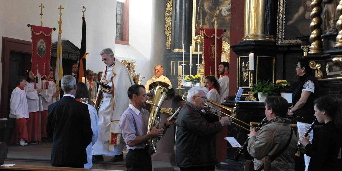 Den Beginn des Bilhildisfestes bildete der Festgottesdienst in der altehrwürdigen Vituskirche.