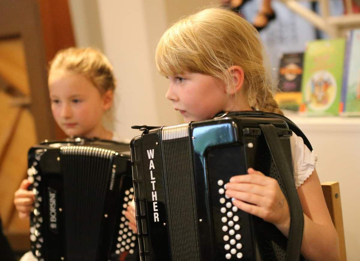 Musik zum Feierabend der Musikschule in der Veitshöchheimer Bücherei im Bahnhof