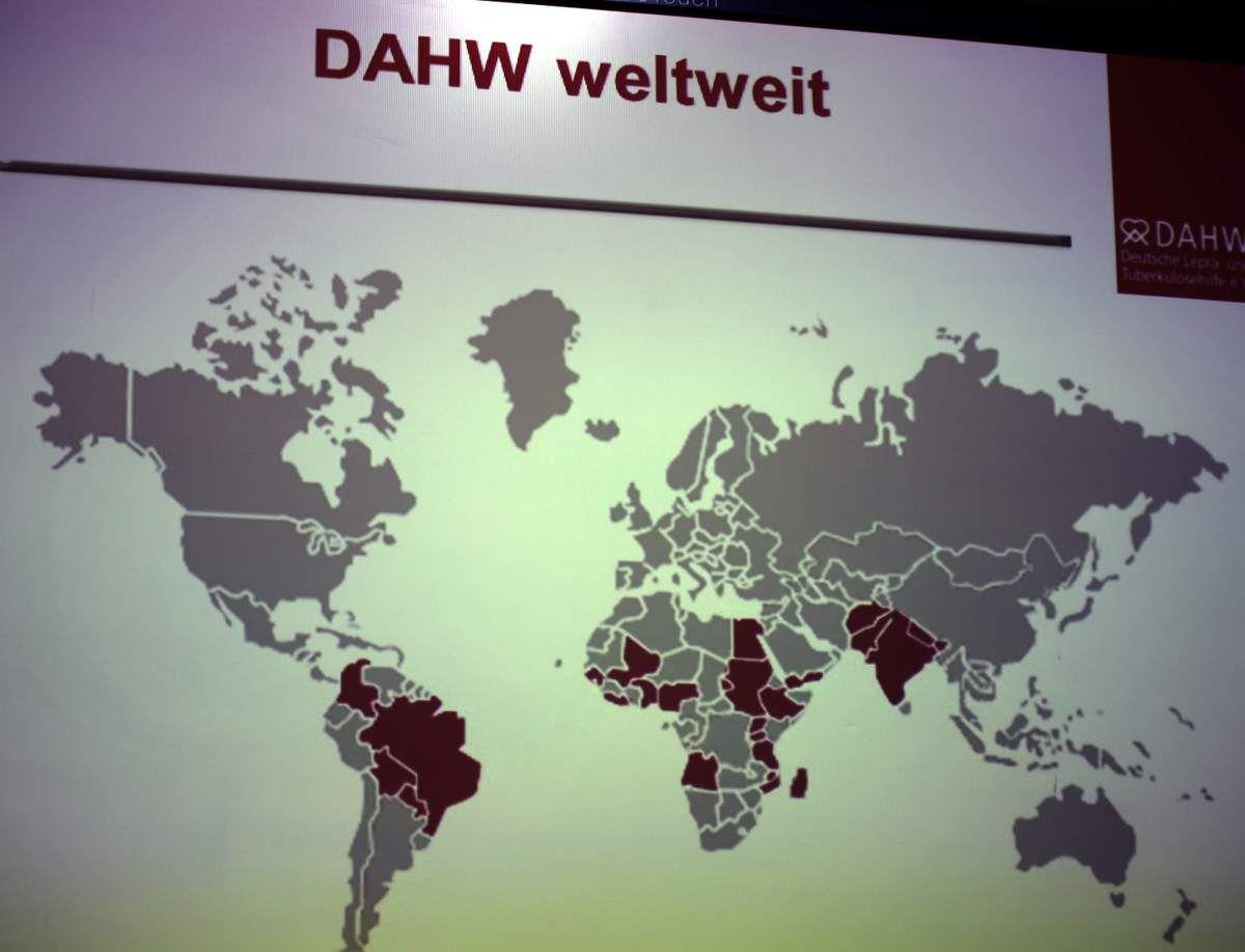 2015 unterstützte die in Würzburg ansässige DAHW weltweit 172 Projekte in 20 Ländern auf der südlichen Halbkugel mit rund zwölf Millionen Euro.