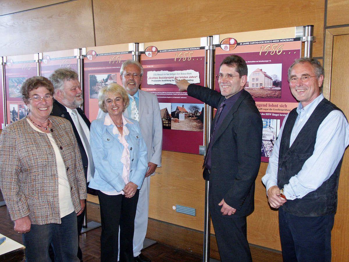 Im Bild die Vorstandschaft zusammen mit Bürgermeister Kinzkofer  v.l.n.r. Inge Geisel, Oswald Bamberger, Irene Dürr, Vorsitzender Burkard Löffler und Bernd Wiek.