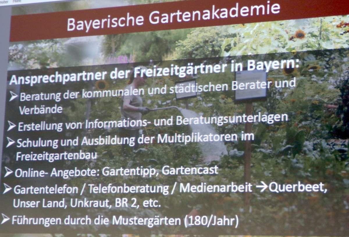 Die Bayerische Gartenakademie ist die älteste Einrichtung ihrer Art in Deutschland. In zwanzig Jahren haben sich eine Fülle an wertvollen Informationen und Fachwissen für den Freizeitgärtner  rund um den Haus- und Kleingarten angesammelt.