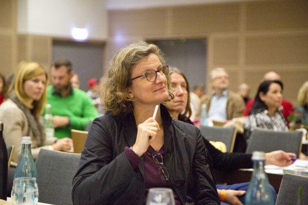 Dr. Juliane von Hagen von der Natur- und Umweltschutzakademie NRW in Recklinghausen stellte die neuen Stadtgärtner-Bewegungen in einen rechtlichen Rahmen.