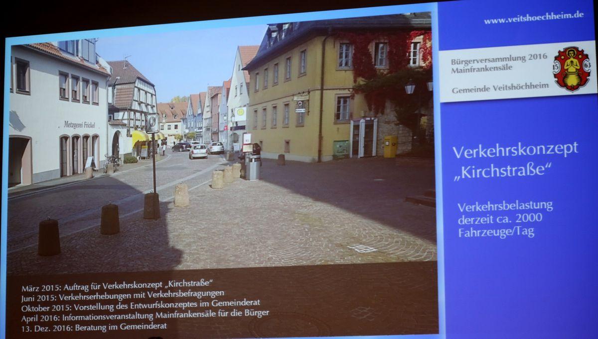Zum Ausbau der Kirchstraße gab es laut Bürgermeister zwischenzeitlich eine Umfrage von Seiten der Gewerbetreibenden zum Einkaufsverhalten und somit zur Nutzung der Kirchstraße. Fazit dieser Umfrage war, daß eine Schließung bzw. Sperrung der Kirchstraße keine Alternative darstellt. Nun werde der Gemeinderat in seiner Sitzung am 13.12. auf Grundlage des Verkehrskonzeptes und der bisherigen Gesprächsergebnisse über die grundsätzliche Verkehrsführung im Altort zu entscheiden haben, um dann auf dieser Grundlage ein Planungsbüro beauftragen zu können, konkrete Planungsvarianten für die Straßenraumgestaltung unter Einbeziehung des Kirchplatzes sowie der Würzburger Straße bis zur Parkstraße auszuarbeiten. Sobald diese Planungsvarianten vorliegen, ist vorgesehen diese mit den direkten Anliegern in einer gemeinsamen Veranstaltung ausführlich zu diskutieren.