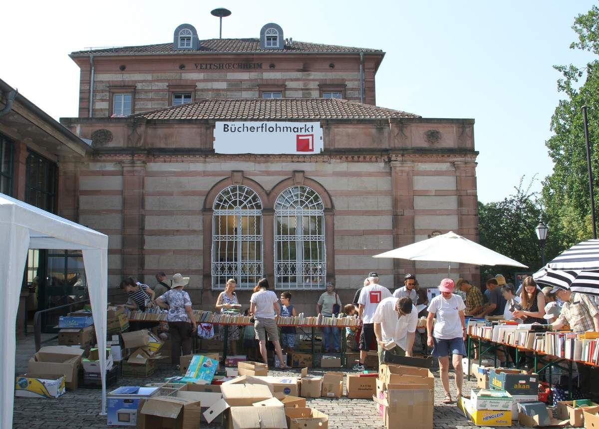 Rekord-Angebot beim Bücherflohmarkt der Veitshöchheimer Bücherei im Bahnhof am 8. Juli