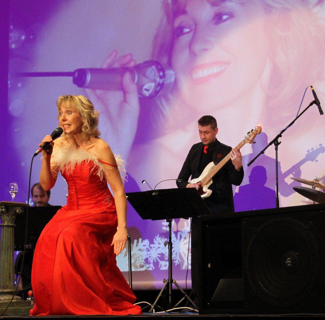 """Benefizkonzert """"Die Nacht der Evergreens"""" von Petra Prinz & Band am 21. Oktober zugunsten der Veitshöchheimer Feuerwehr in den Mainfrankensälen"""