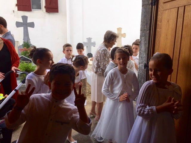 1ère Communion Paroissiale à 10h30 à Ahetze 28 mai 2017   © Images de Anne-Marie Le Loir