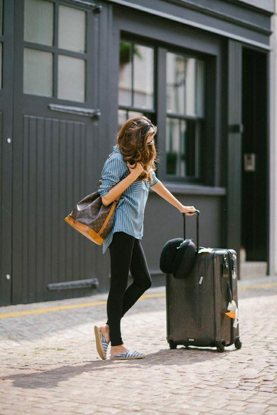 Quelle tenue pour prendre l'avion ? ( source photo @pinterest.com)