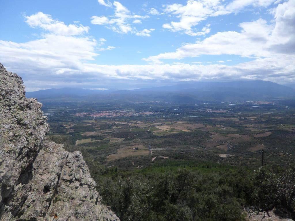 MONTNER :Le Força-Réal propose une vue panoramique magnifique sur les Pyrénées.