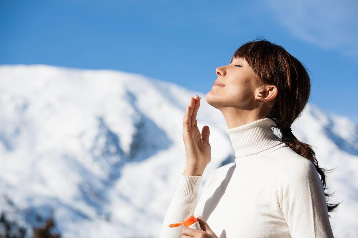 Coups de soleil au ski : comment hydrater votre peau ?