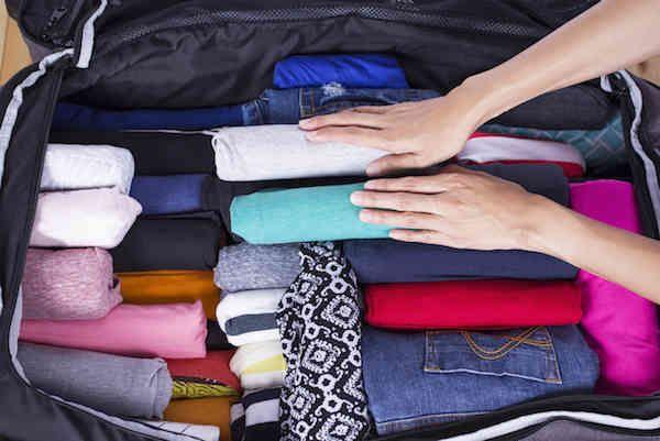 Astuces pour gagner de la place dans sa valise.(source photo @pinterest.fr)