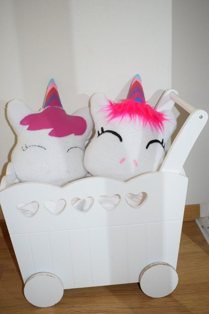 coussin licorne tuto et patron viny diy le blog de tutoriels couture et diy. Black Bedroom Furniture Sets. Home Design Ideas