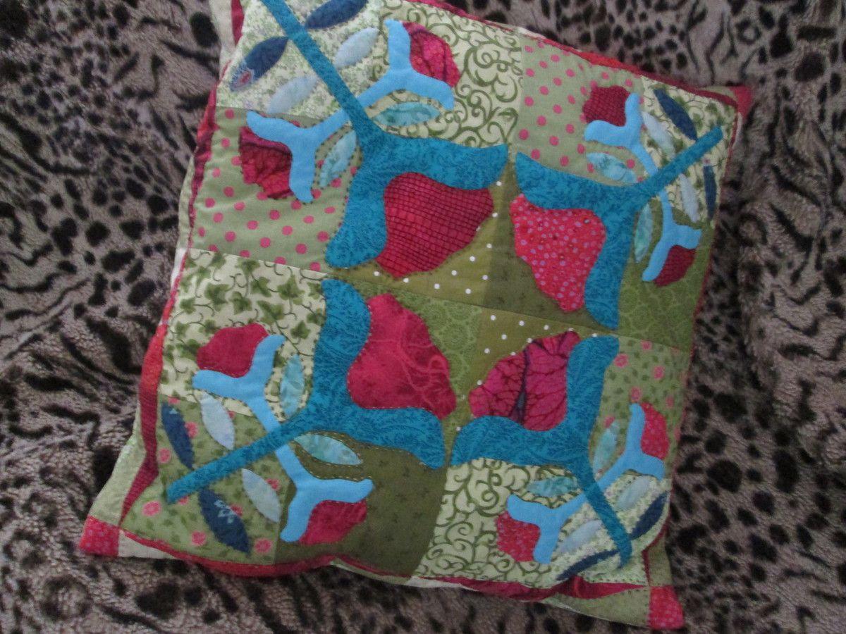 Fiesta flowers quilt-cushion .... 2.