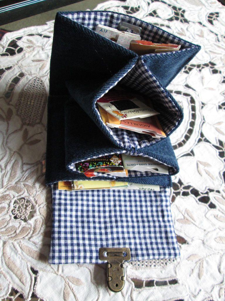 Pochette à aiguilles  en jean recyclé
