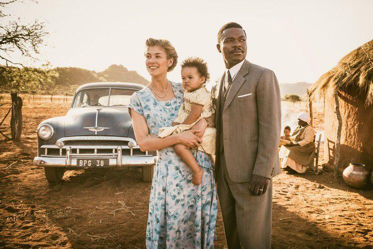 A UNITED KINGDOM, avec Rosamund Pike et David Oyelowo L'histoire vraie d'un amour qui a défié un empire au Cinéma le 29 Mars 2017 #AUnitedKingdom