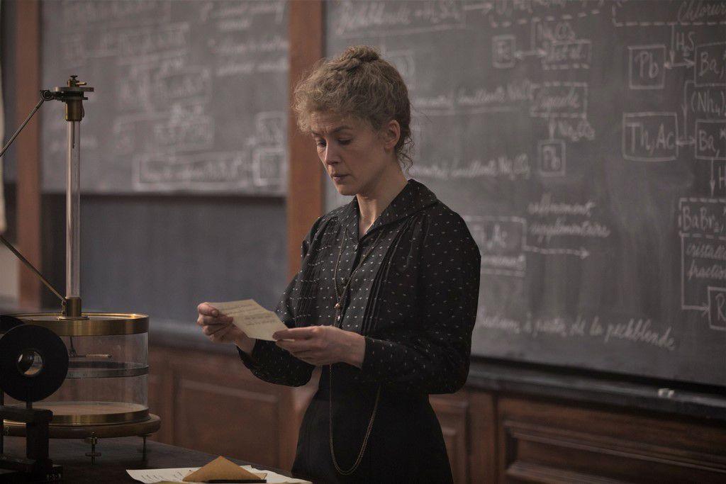 RADIOACTIVE - le Biopic de Pierre et Marie Curie de Marjane Satrapi avec Rosamund Pike, Sam Riley au Cinéma le 11 Mars 2020