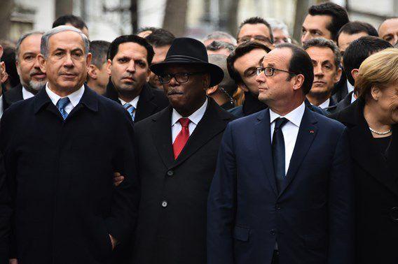 """Benjamin Netanyahu, Premier ministre israélien à la manifestation """"Je suis Charlie"""" à Paris le 11 janvier 2015 (à gauche sur la photo)"""