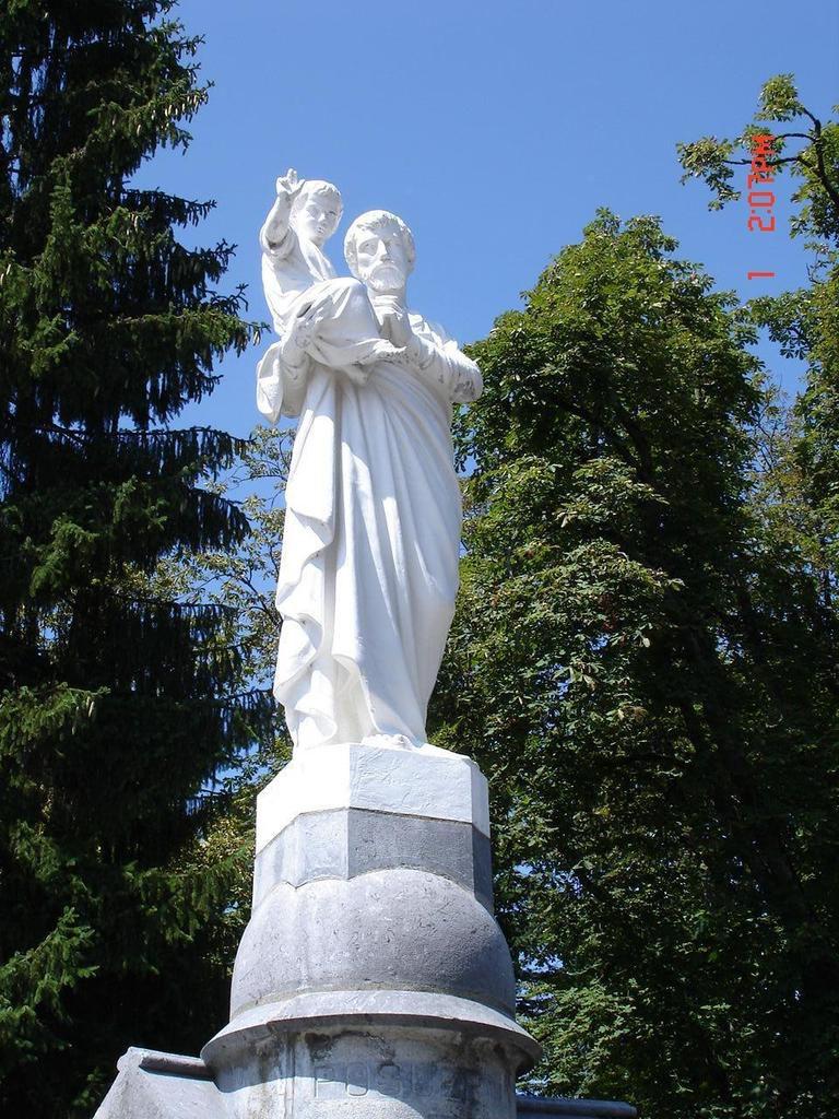 Saint Joseph, Lourdes