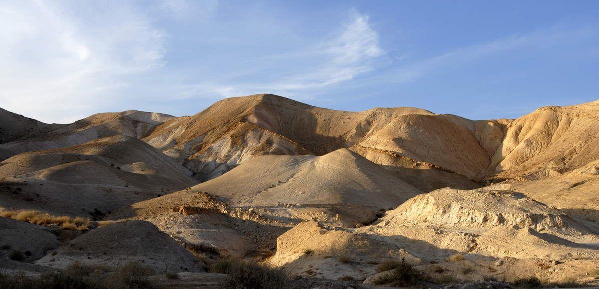 désert de Judée en montant de Jéricho à Jérusalem (photo ND, non libre de droit)