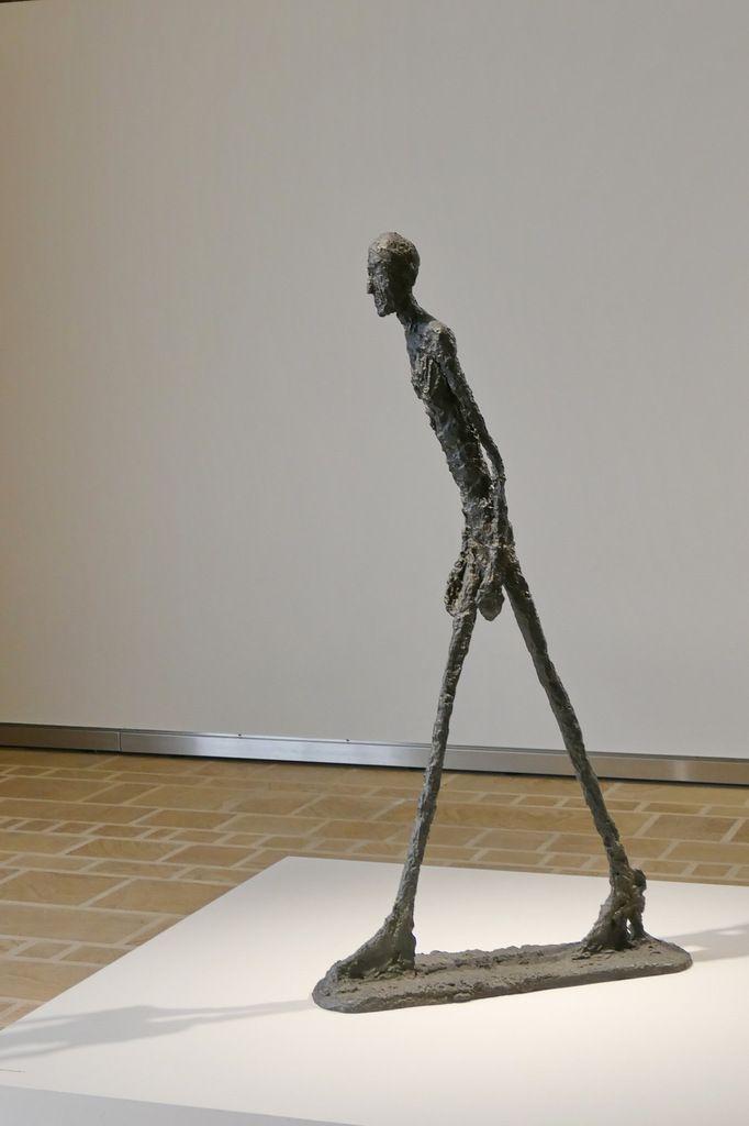 """Alberto Giacometti . """"L'Homme qui marche"""" I, 1960. Bronze. Landerneau, septembre 2015, photographie lavieb-aile."""