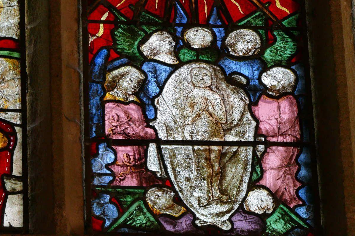 Le corps de sainte Barbe transporté aux cieux par les anges, Lancette B, Baie 3, Transept nord, chapelle Sainte-Barbe, Le Faouët, photographie lavieb-aile.