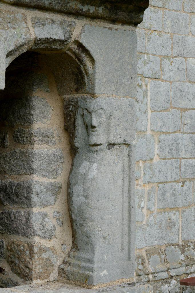 Ossuaire, Chapelle Saint-Guen à Saint-Tugdual, photographie lavieb-aile.