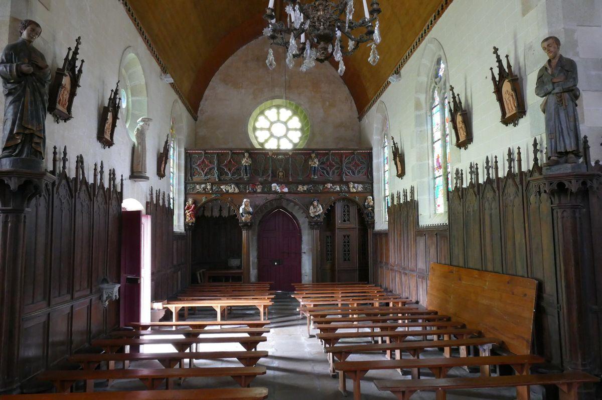 La tribune. Vue occidentale de la Chapelle Saint-Yves, Priziac, photographie lavieb-aile.