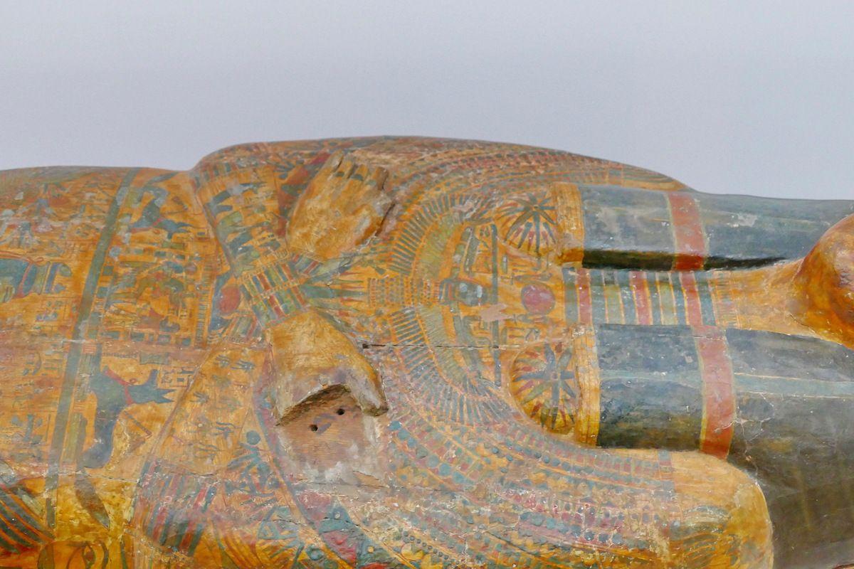 Cercueil de la chanteuse d'Amon Hatshepsout , XXIe dynastie, Musée de Grenoble, photo lavieb-aile.