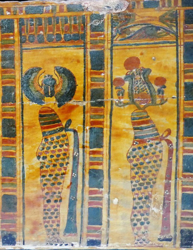 Loge 7 et 8, Cuve du cercueil de la chanteuse d'Amon Hatshepsout , XXIe dynastie, Musée de Grenoble, photo lavieb-aile.