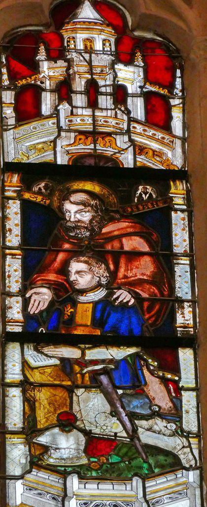 Donateur présenté par saint Ronan, Baie n°114, fenêtre haute du transept sud, cathédrale de Quimper, photo lavieb-aile.
