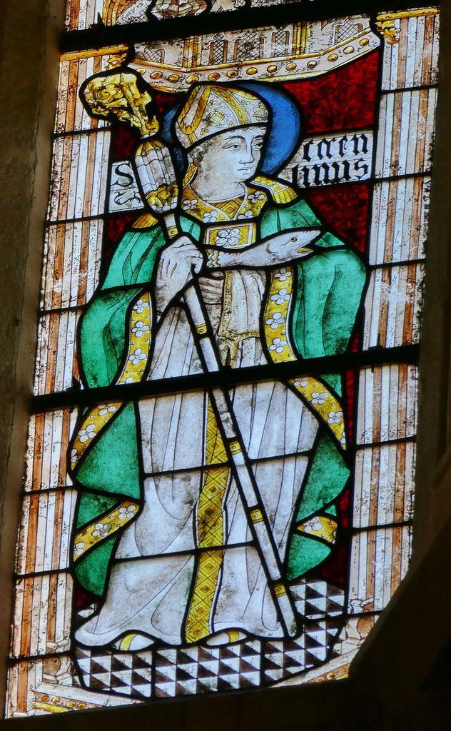 Lancette c, saint Corentin tenant son poisson,  Baie 101 du rond-point du chœur de la cathédrale de Quimper, photographie lavieb-aile