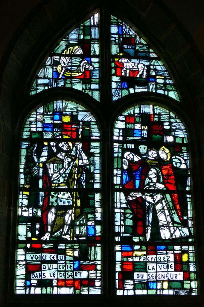 Prédication de Jean-Baptiste, Jacques Le Chevallier, vitrail du déambulatoire, chœur de l'église Notre-Dame du Cap Lihou, Granville, photographie lavieb-aile.