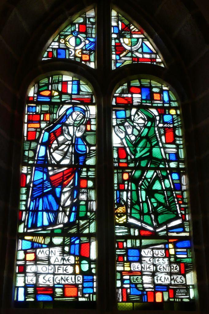 Visitation, Jacques Le Chevallier, vitrail du déambulatoire, chœur de l'église Notre-Dame du Cap Lihou, Granville, photographie lavieb-aile.