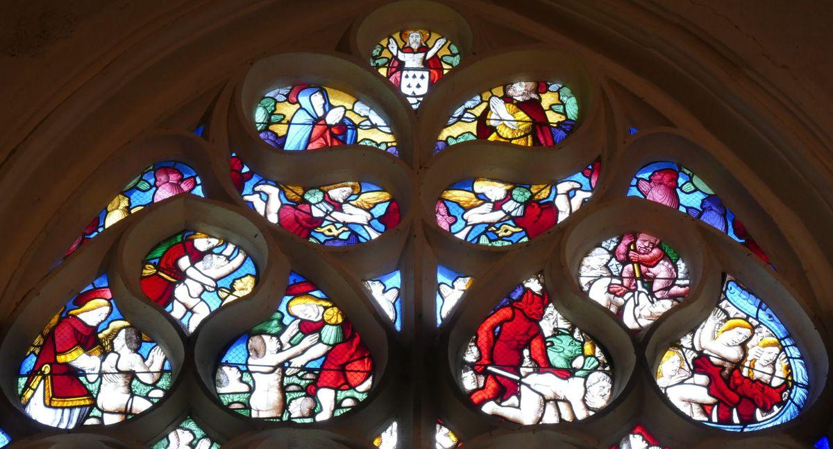 Tympan, Verrière de la Passion  (vers 1560), chapelle Notre-Dame-du-Crann à Spézet. Photographie lavieb-aile.