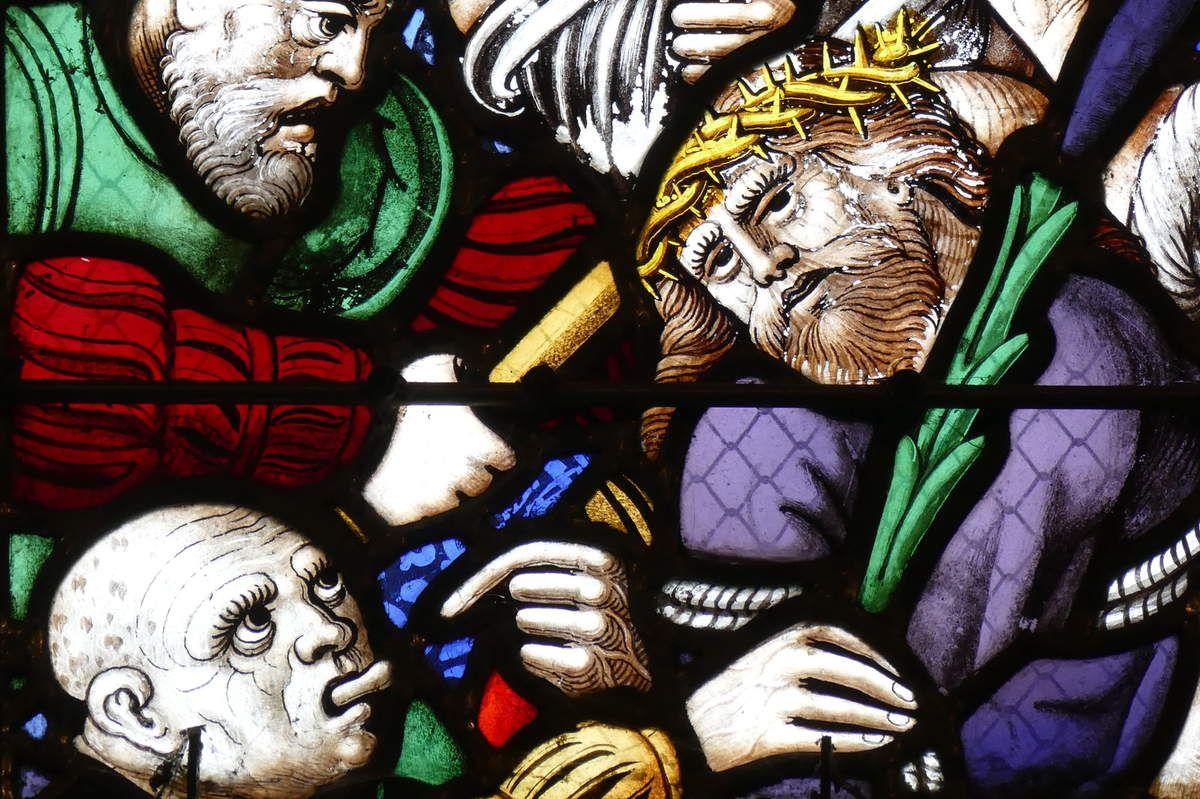 Christ aux outrages, verrière de la Passion  (vers 1560), chapelle Notre-Dame-du-Crann de Spézet. Photographie lavieb-aile.