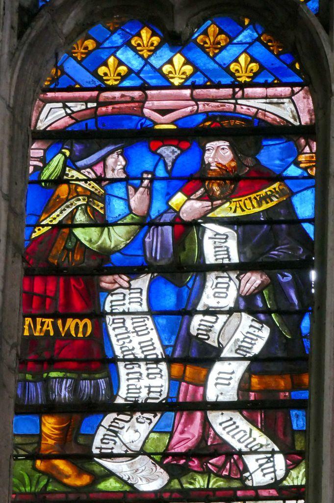 Les prophètes Nahum et Zacharie, Registre inférieur de la lancette A, Arbre de Jessé, cathédrale de Sens, photographie lavieb-aile.