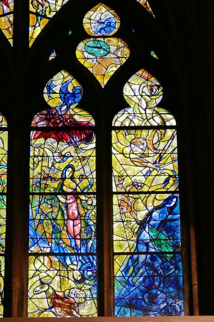 Lancettes C et D, Marc Chagall, vitrail de La Création, 1959-1963, cathédrale de Metz. Photographie lavieb-aile.