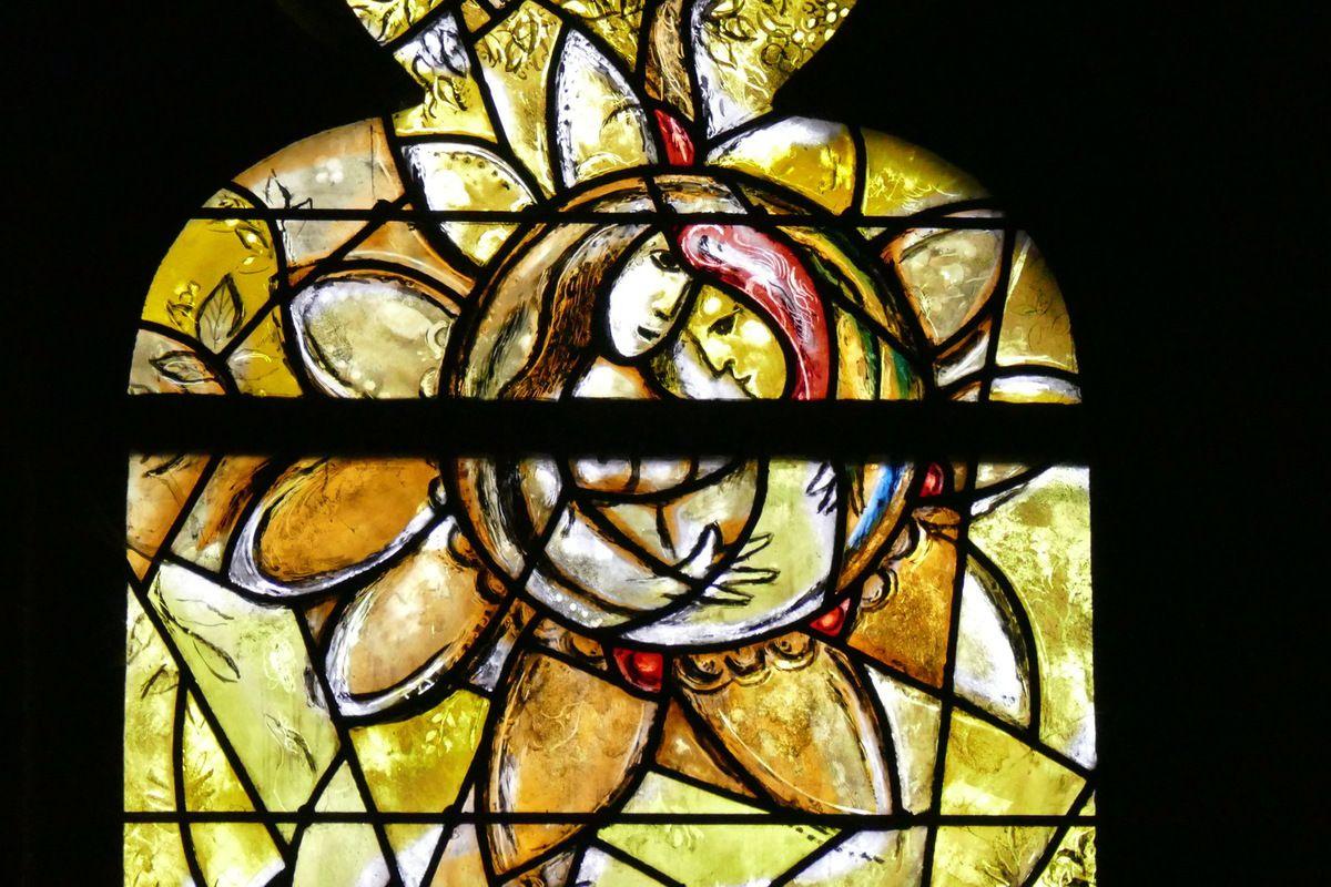Lancette de la création d'Ève, Marc Chagall, vitrail de La Création, 1959-1963, cathédrale de Metz. Photographie lavieb-aile.