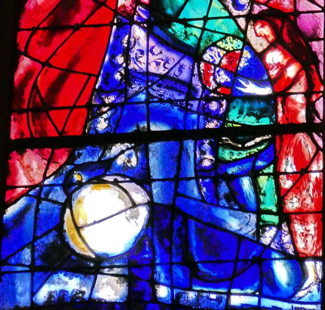 Bethsabée dansant,  lancette B. baie n°9 , déambulatoire nord, cathédrale de Metz. Photographie lavieb-aile.