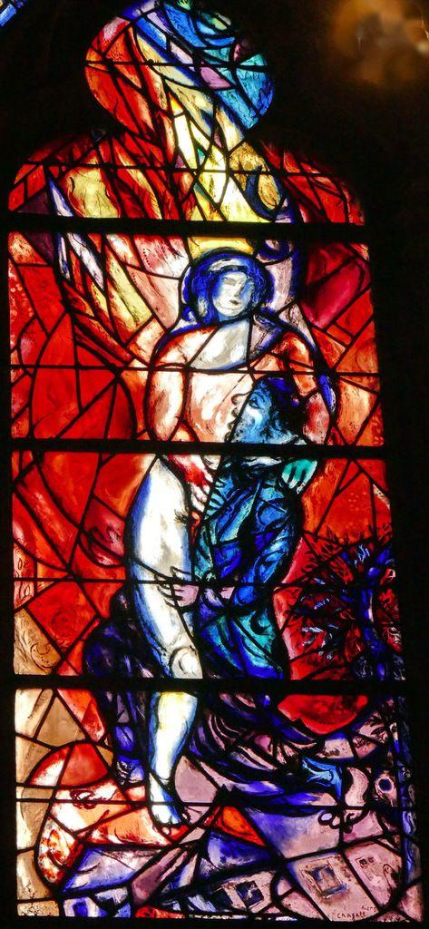 Marc Chagall, Lutte de Jacob contre l'ange, lancette B, baie n°11, déambulatoire nord de la cathédrale de Metz,  photographie lavieb-aile.