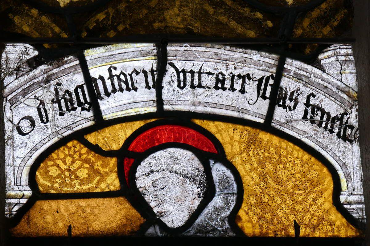 Panneau de saint Fiacre, Baie 1, bras nord du transept, église Notre-Dame, Brennilis, photographie lavieb-aile.
