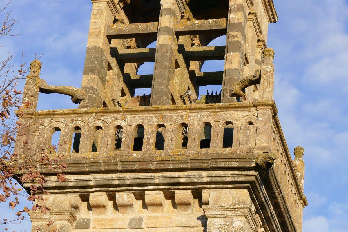 1647  face ouest de l'appui de la balustrade, église Saint-Sauveur, Le Faou. Photographie lavieb-aile.