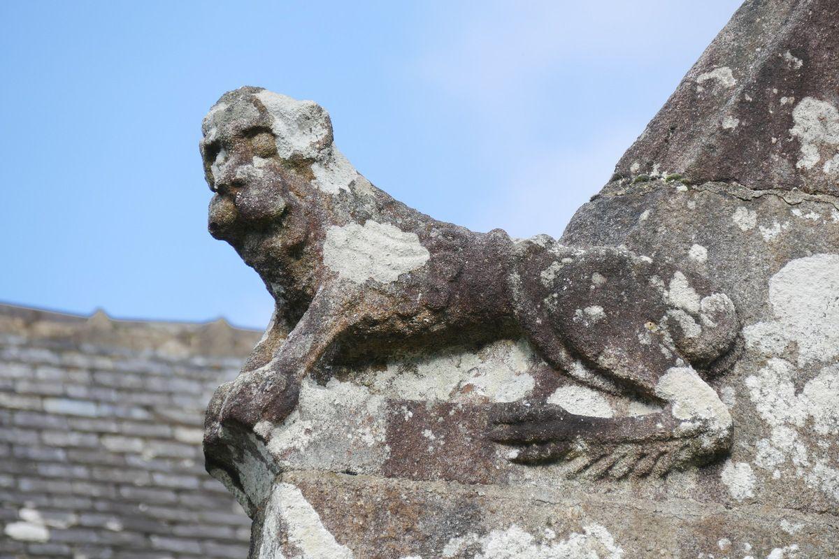 Lion, crossette de l'église de Lannédern. Photographie lavieb-aile.