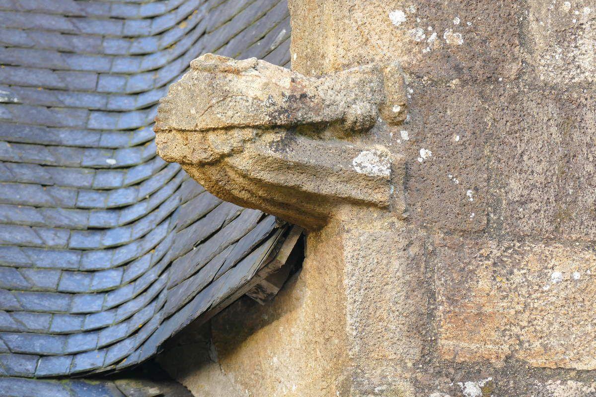 Crossette de la 2ème lucarne de la façade sud de l'église Saint-Thomas de Landerneau. Photographie lavieb-aile.